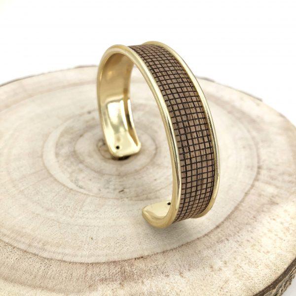 bracelet vegan - manchette vegan - bijou vegan - bijou ecoresponsable - bracelet responsable - bracelet cuir de bois - bracelet bois - pumskin - bijoux vegan - cuir de bois - cuir vegan - nuo - nuo bois -